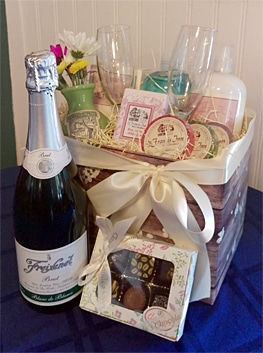 Gift Baskets 2  honeyAnnivBasket263 Casa de Suenos St. Augustine Bed and Breakfast