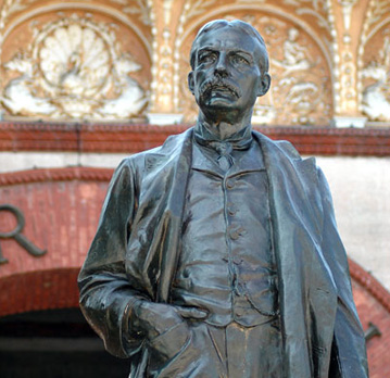 Statue of Henry Flagler, at entrance to Flagler College