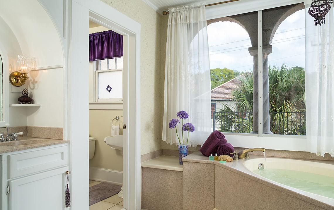Valencia Bath
